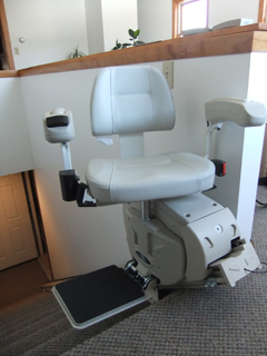 Whether for short term, or to reduce the initial cost of a stairlift, a rental stairlift is the perfect solution.