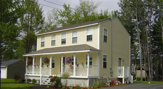 Colonial With Farmers Porch