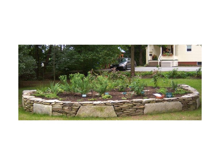 Fieldstone Planter