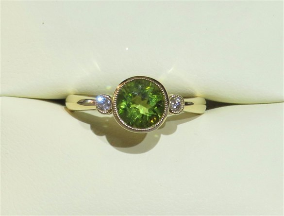 Round Peridot and Diamond RIng