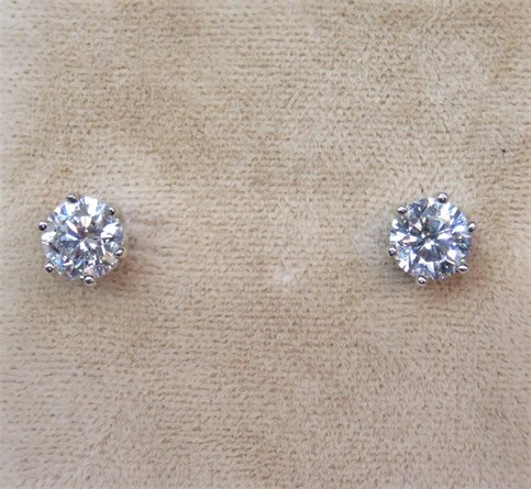 1.50 ctw Round Brilliant Diamond Stud Earrings