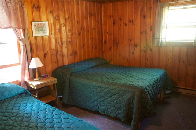 Cabin 1 with Kitchenette