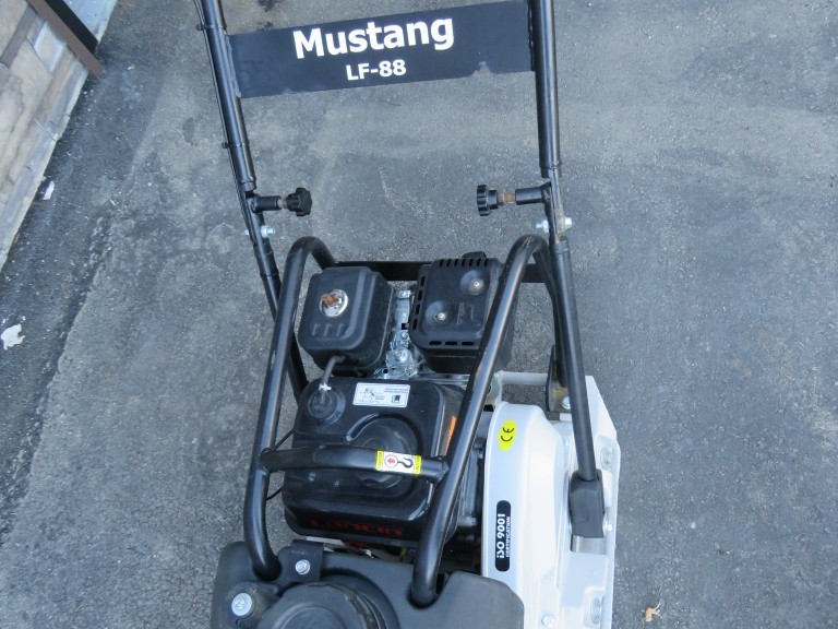2021 Mustang LF88 Plate Compactor