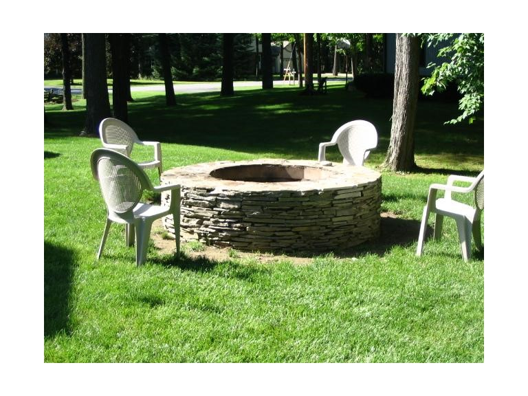 Colonial Wall Firepit
